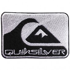 Logo embroidery work QUICKSILVER Arm rolled on a shirt QUICKSILVER pattern Rolled shirt QUICKSILVER pattern Rolled-on shirt QUICKSILVER logo Embroidery work QUICKSILVER