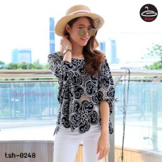 Black lace shirt Korean lace woven soft texture. The fabric is comfortable and beautiful with nothing pretty. NO.T-0248